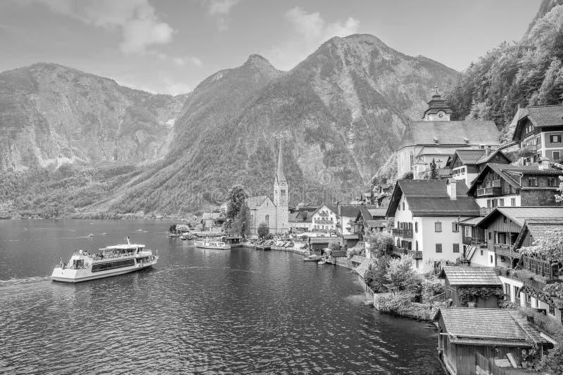 Vista esc?nica del pueblo famoso de Hallstatt en Austria fotos de archivo libres de regalías