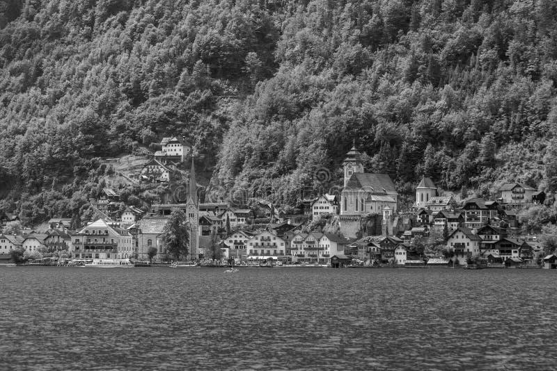 Vista esc?nica del pueblo famoso de Hallstatt en Austria fotografía de archivo libre de regalías