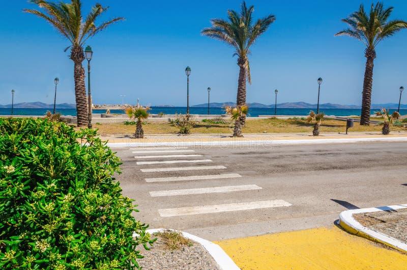 Vista esotica della riva sull'isola greca, Grecia fotografia stock libera da diritti