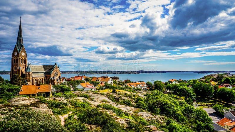 Vista esplêndida do ponto o mais alto na ilha uma de meny, Suécia fotografia de stock