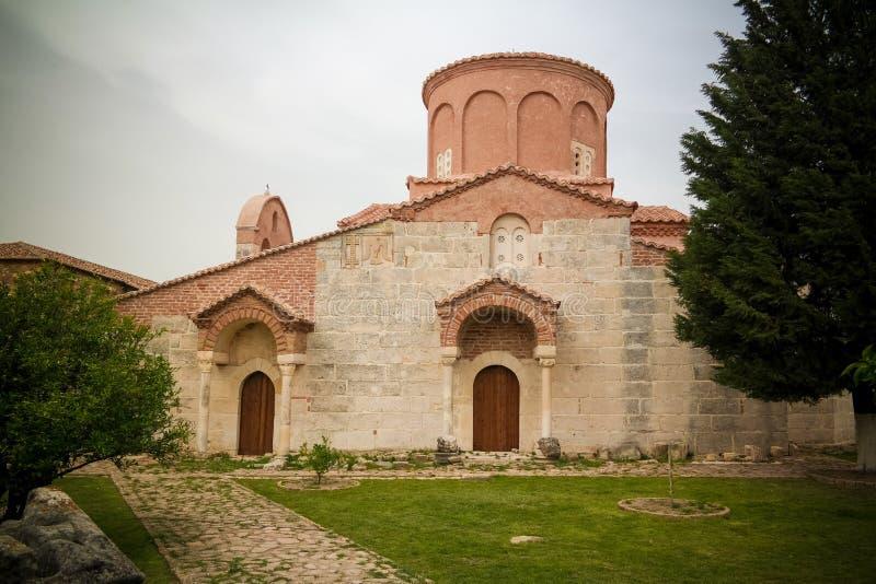 Vista esteriore alla chiesa di St Mary in Apollonia, Fier, Albania immagini stock