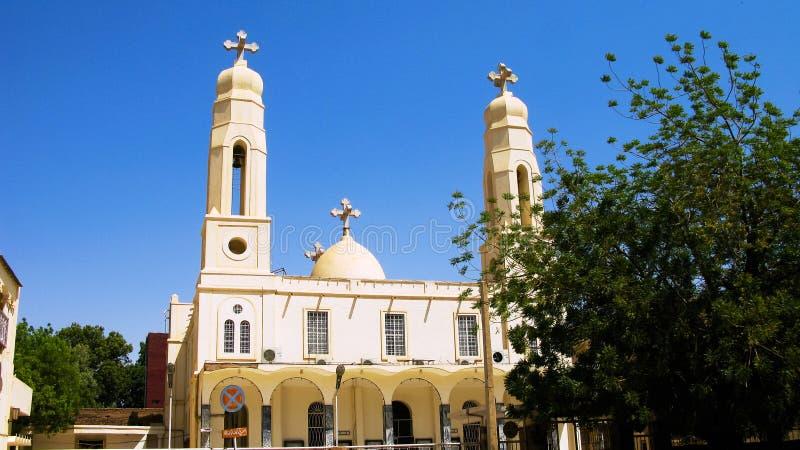 Vista esteriore alla chiesa ortodossa copta in Khartum, Sudan immagine stock
