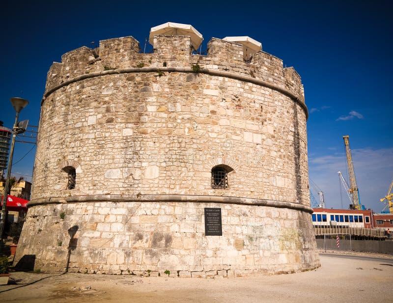 Vista esteriore alla torre veneziana a Durres, Albania fotografia stock libera da diritti