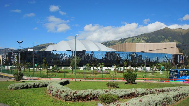 Vista esteriore della Camera di cultura ecuadoriana nel Nord della città di Quito fotografia stock libera da diritti