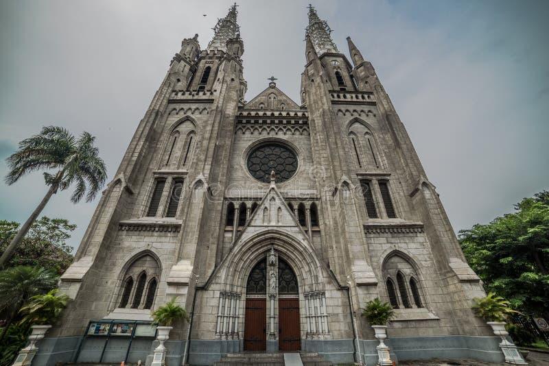 Vista esteriore della chiesa cattolica della cattedrale, Jakarta, Indonesia fotografia stock libera da diritti