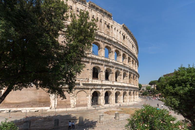 Vista esterna dell'arena antica del gladiatore Colosseum in città di Roma, Italia fotografia stock