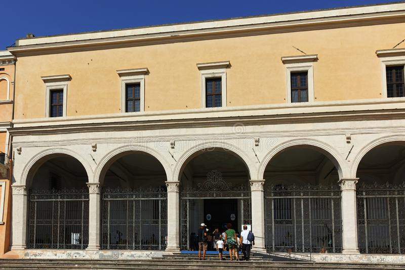 Vista esterna della chiesa di St Peter in catene San Pietro in Vincoli a Roma fotografia stock libera da diritti