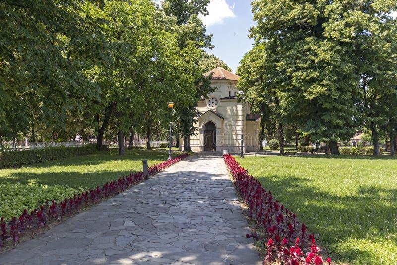 Vista esterna della torre Cele Kula del cranio - costruito dai 3000 crani dei guerrieri serbi morti a poppa fotografia stock