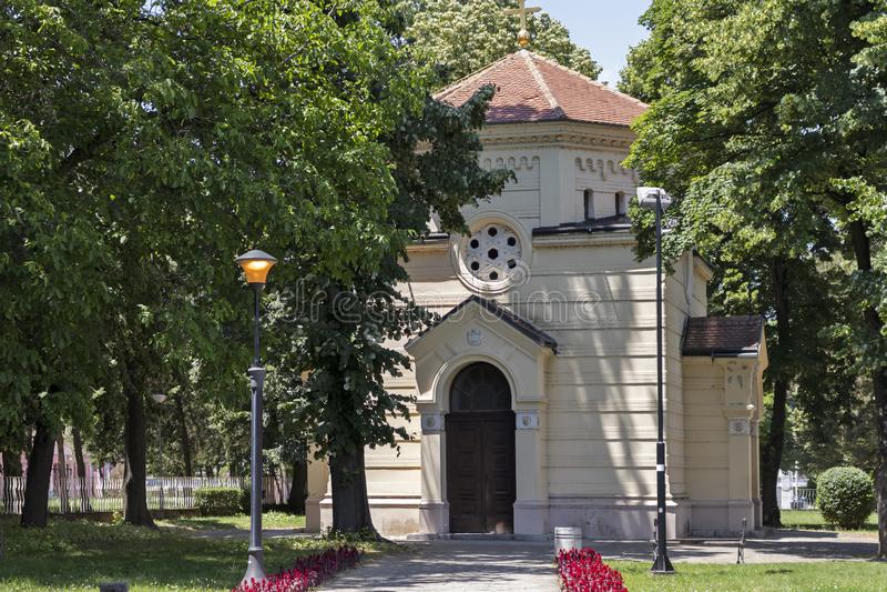 Vista esterna della torre Cele Kula del cranio - costruito dai 3000 crani dei guerrieri serbi morti a poppa immagine stock