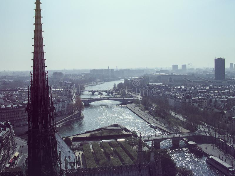 Vista esterna Notre Dame de Paris immagine stock libera da diritti