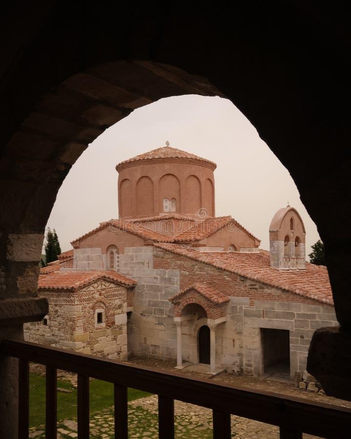 Vista exterior à igreja de St Mary em Apollonia, Fier, Albânia fotos de stock