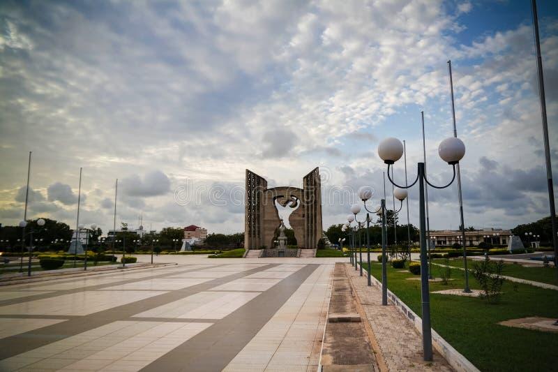 Vista exterior à independência de le do monumento, Lomé, Togo imagem de stock