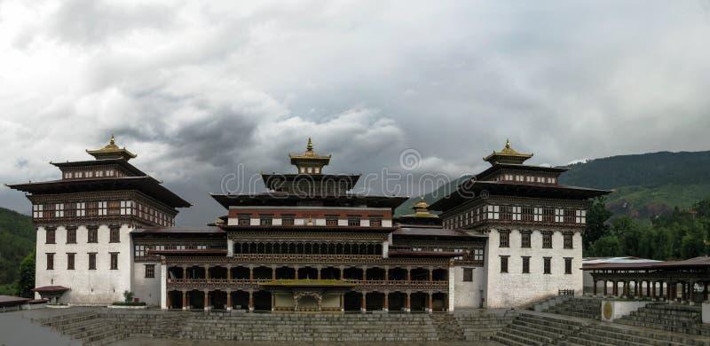 Vista exterior al dzong de Tashichho, Timbu Bhután imagen de archivo