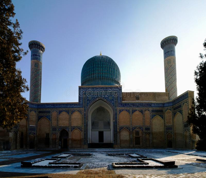 Vista exterior al mousaleum del emir de Gur-i, tumba de Tamerlan, Samarkand, Uzbekistán imagen de archivo libre de regalías