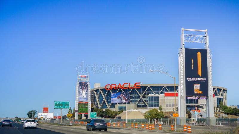 Vista exterior da arena de Oracle situada na área de San Francisco Bay do leste; fotografia de stock royalty free