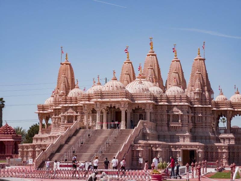 Vista exterior de los BAPS famosos Shri Swaminarayan Mandir imagen de archivo libre de regalías