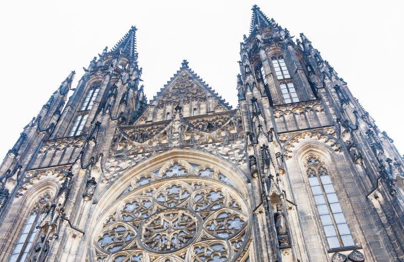 Vista exterior de St Vitus Cathedral, Praga, fotografia de stock