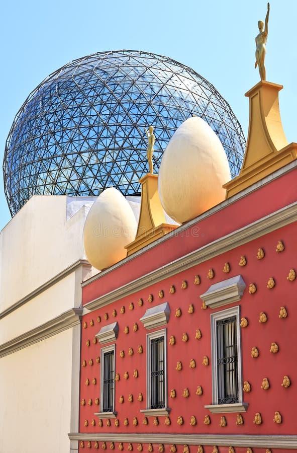 Vista exterior do museu de Dali, Figueres imagem de stock royalty free