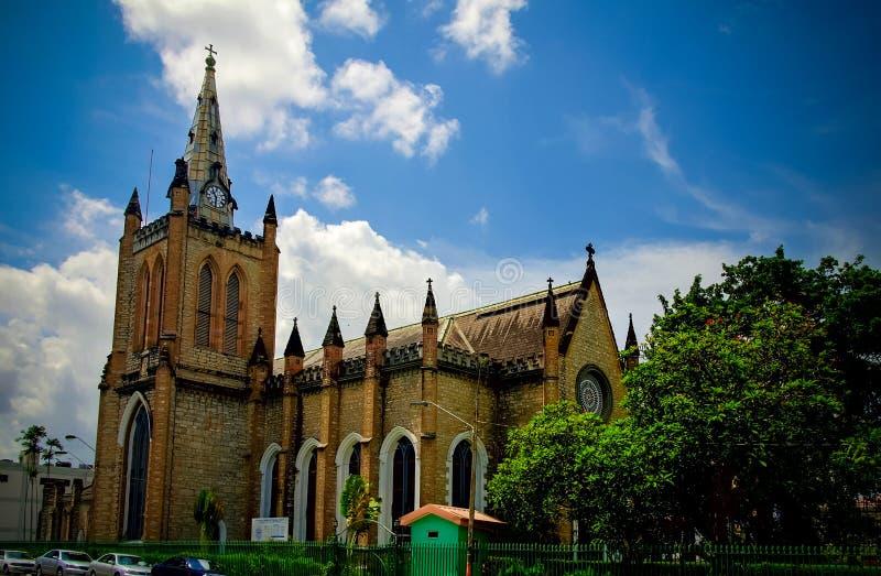 Vista exterior a la catedral de la trinidad en Puerto España, Trinidad and Tobago imágenes de archivo libres de regalías