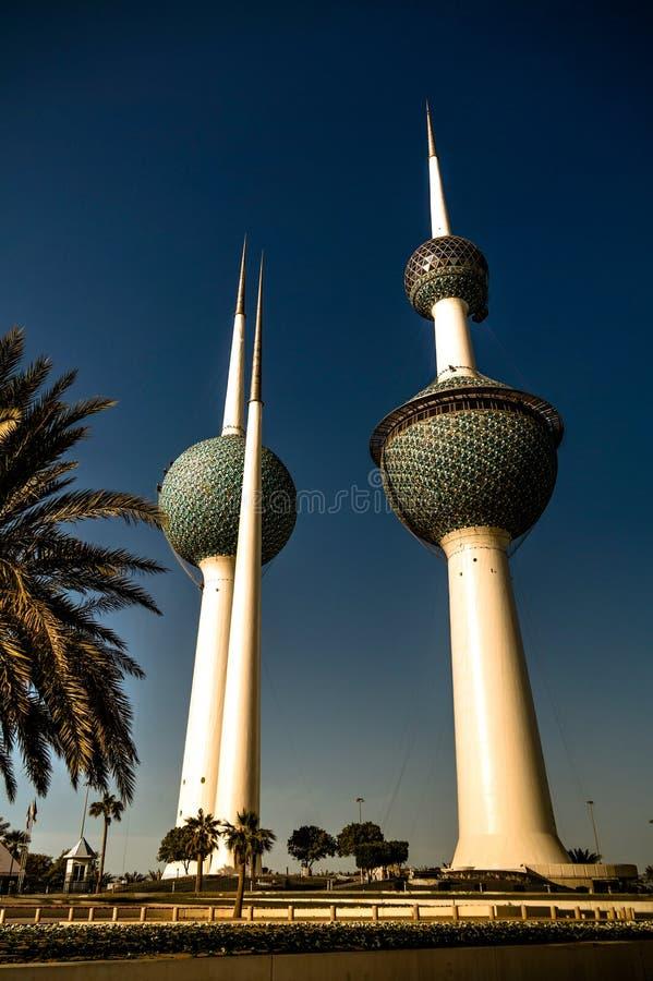 Vista exterior a las torres frescas 07 de Kuwait de la reserva de agua aka 01 Kuwait 2015 fotografía de archivo