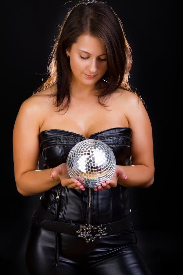 Vista fêmea 'sexy' na esfera imagens de stock royalty free