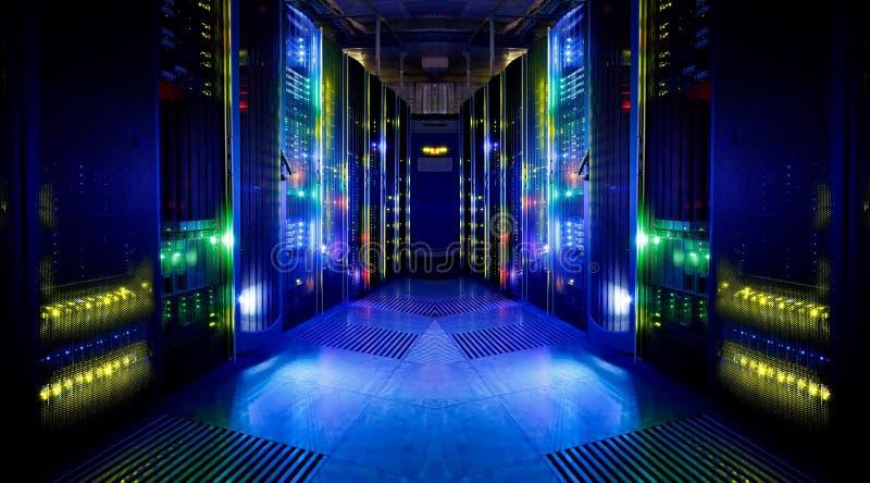 Vista fantástica del cuarto del servidor imagen de archivo libre de regalías