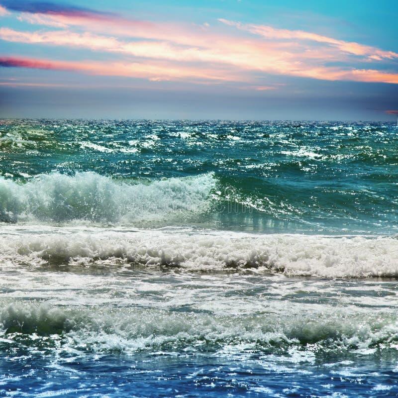 Vista fantástica do mar dos azuis celestes Ilha Sicília, Itália, Europa fotografia de stock royalty free
