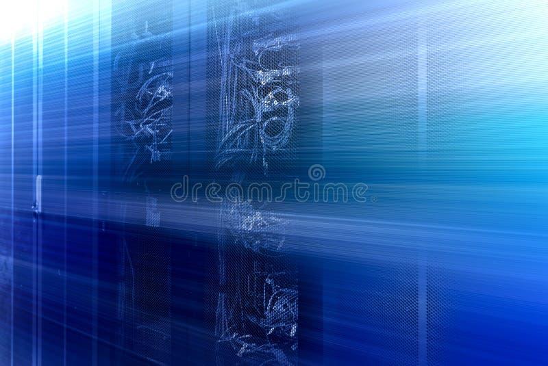 Vista fantastica della stanza del server di rete con gli scaffali nel grande centro dati Interfaccia ed attrezzatura vaghe di Dat fotografia stock libera da diritti