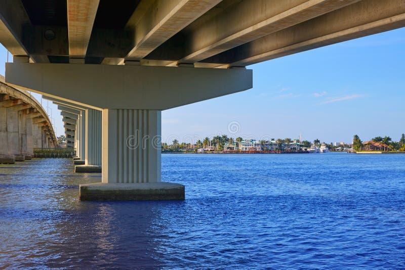 Vista Florida del ponte di Napoli Florida Marco Island immagine stock