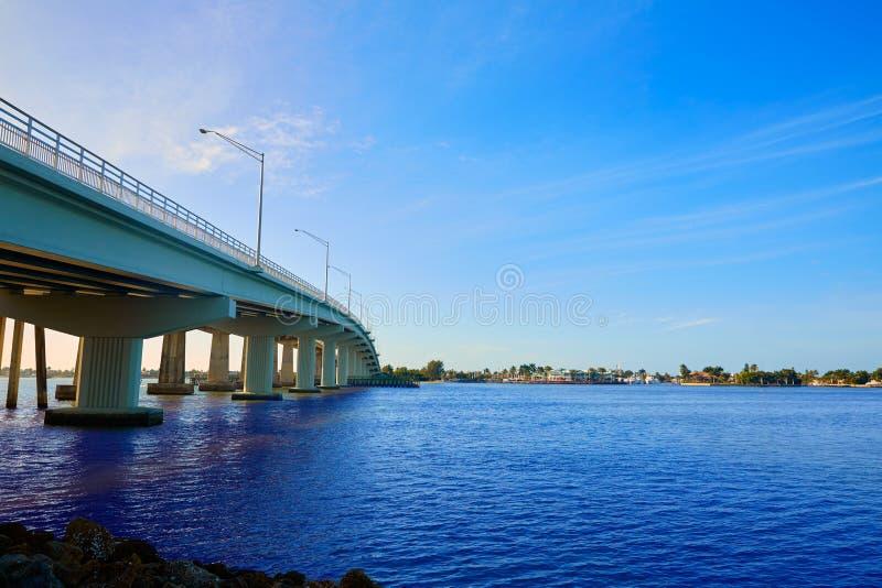 Vista Florida del ponte di Napoli Florida Marco Island immagini stock