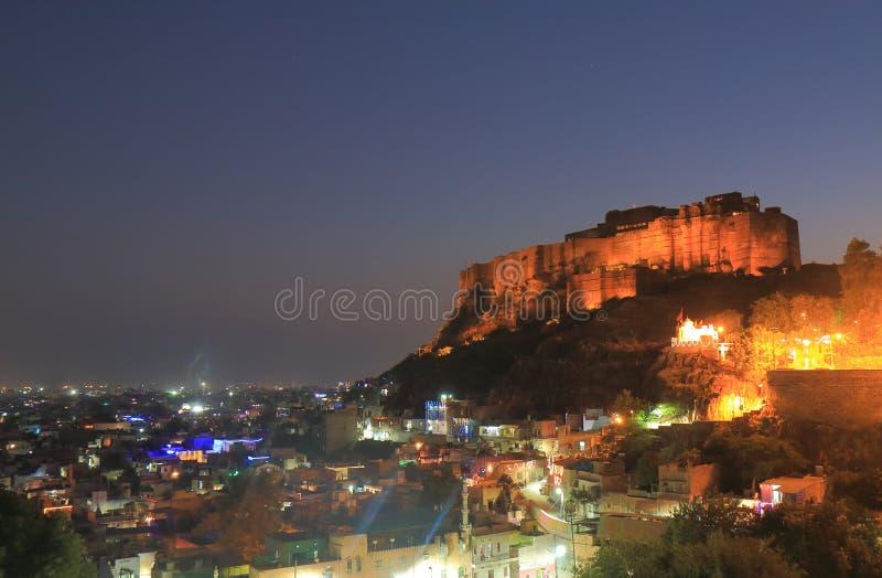 Vista forte Jodhpur India di notte di Mehrangarh immagine stock