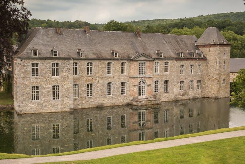 Vista frontal do castelo de Annevoie fotografia de stock royalty free