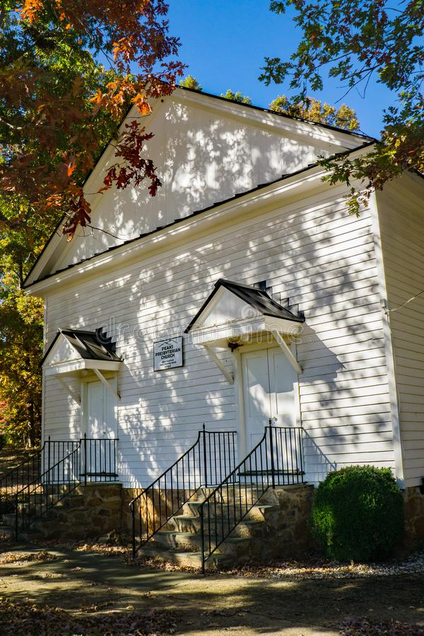 Vista frontale dei picchi chiesa presbiteriana, la Virginia, U.S.A. fotografia stock libera da diritti