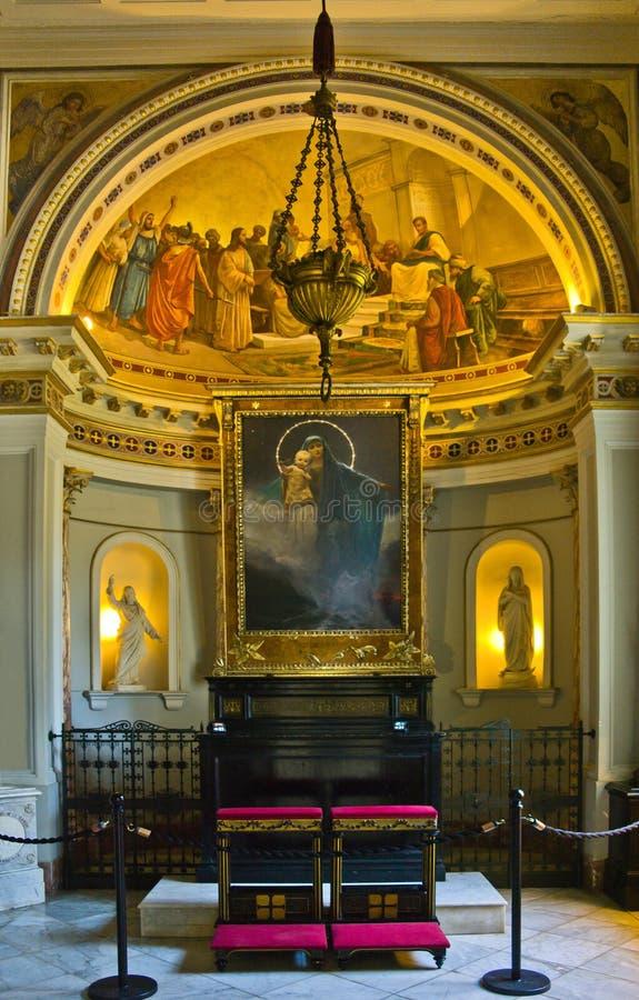Vista frontale della cappella in palazzo, Corfù fotografia stock libera da diritti