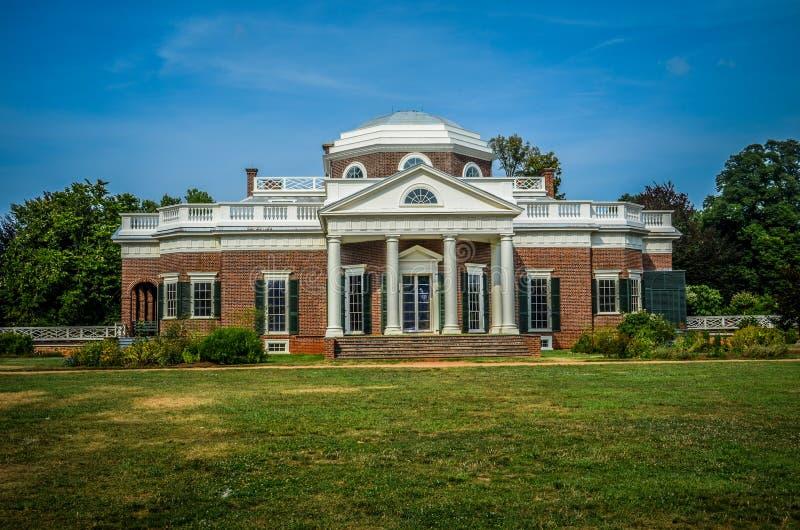 Vista frontale della casa di Monticello del Thomas Jefferson fotografie stock libere da diritti