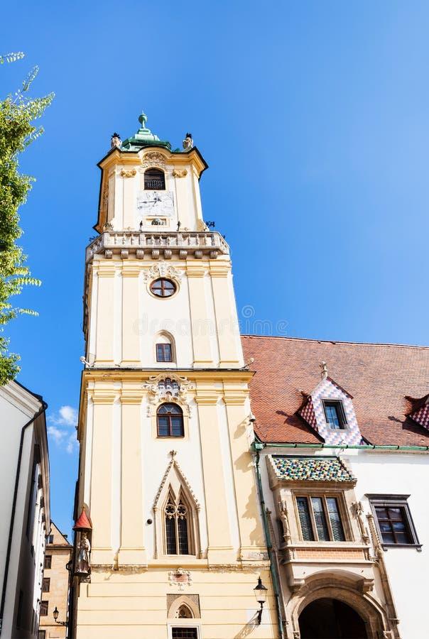 Vista frontale della torre Città Vecchia Corridoio a Bratislava immagine stock libera da diritti