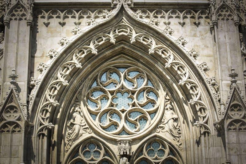Vista frontale di Matthias Church a Budapest immagini stock libere da diritti