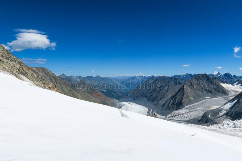 Vista ? geleira de Mensu ?rea de montanha de Belukha Altai, R?ssia fotografia de stock