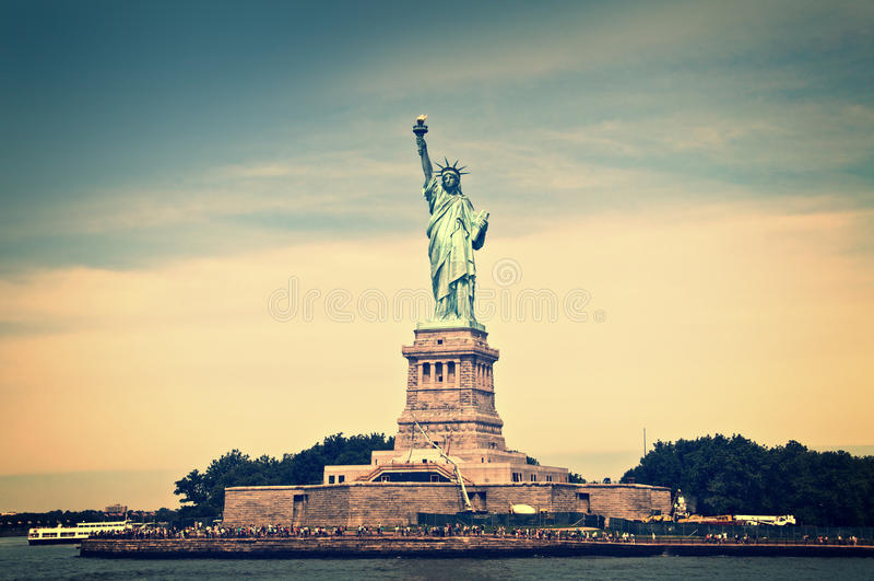 Vista general de la isla de la libertad, Nueva York imagen de archivo libre de regalías