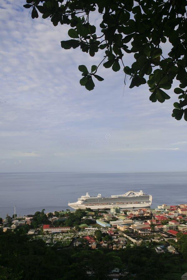 Vista general de Roseau, Dominica foto de archivo