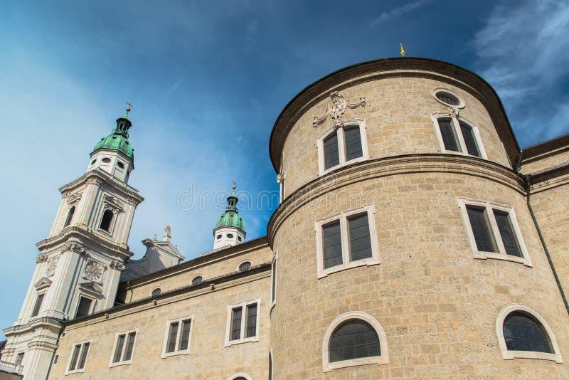 Vista general del centro histórico de Salzburg foto de archivo
