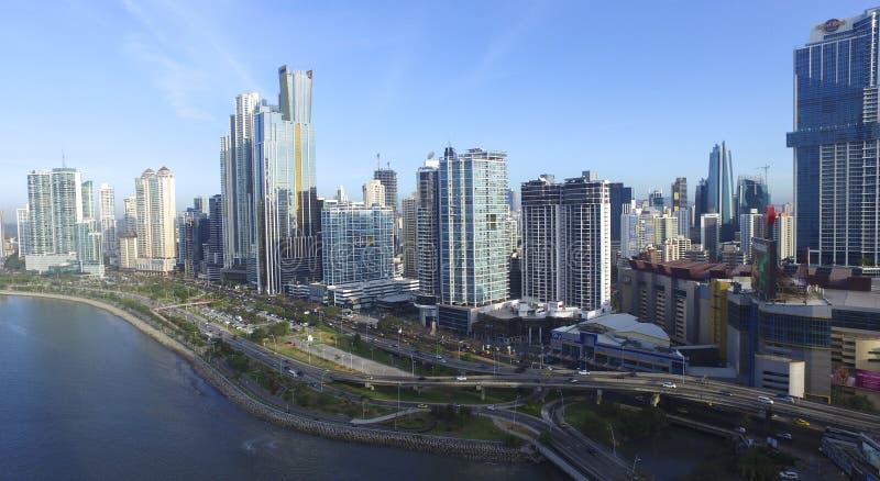 Vista generale della città viale edifici di Panama City di nuovo immagini stock