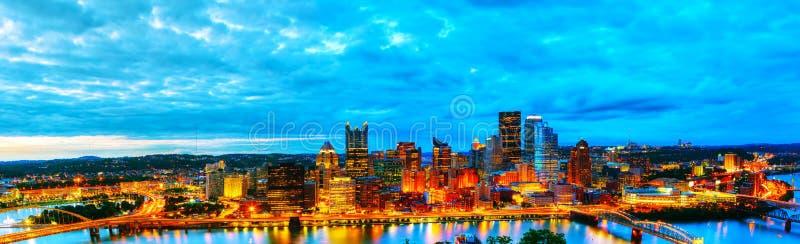 Vista geral aérea panorâmico de Pittsburgh imagens de stock