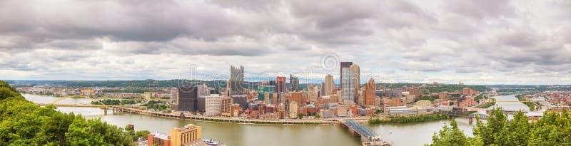 Vista geral aérea panorâmico de Pittsburgh imagem de stock