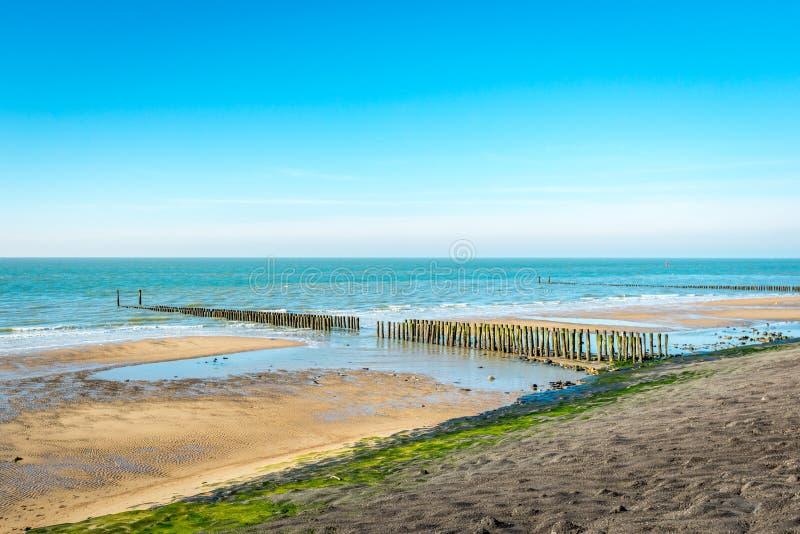 Vista geral de uma parte da costa de Mar do Norte holandesa imagens de stock royalty free
