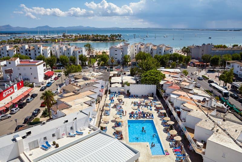 Vista geral do porto de Alcudia, Mallorca imagens de stock royalty free