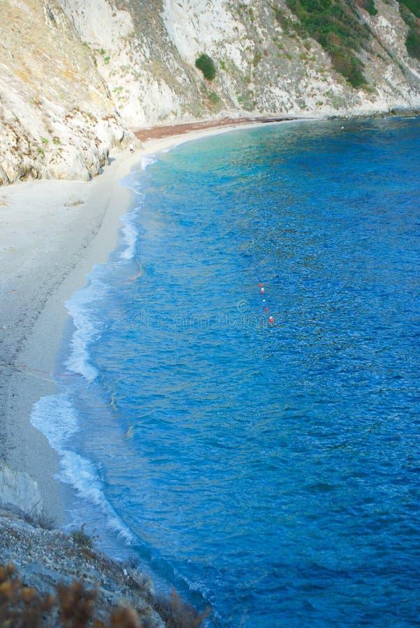 Vista geral na área do litoral de Sansone da ilha de Toscânia imagens de stock royalty free