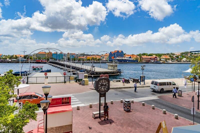 Vista giù ai punti di vista del Curacao di lungomare di Punda fotografia stock