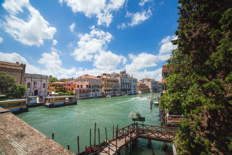 """Vista a Grand Canal dal dell """"Accademia di Ponte immagine stock"""