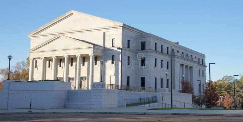Vista grandangolare della Corte suprema dell'edificio del Mississippi, Jackson, Tennessee fotografia stock libera da diritti